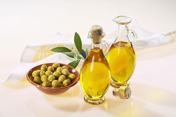 dầu oliu hình 4