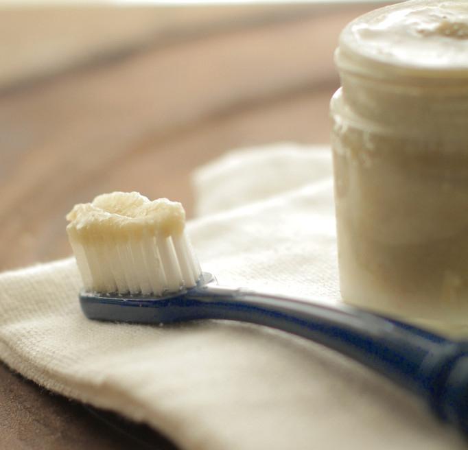 kem đánh răng handmade hình 1
