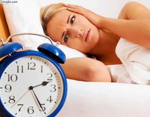 trị mất ngủ hình 1